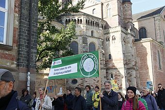 "Churches for Future auf der ""Fridays for Future""-Demonstration im vergangenen September."